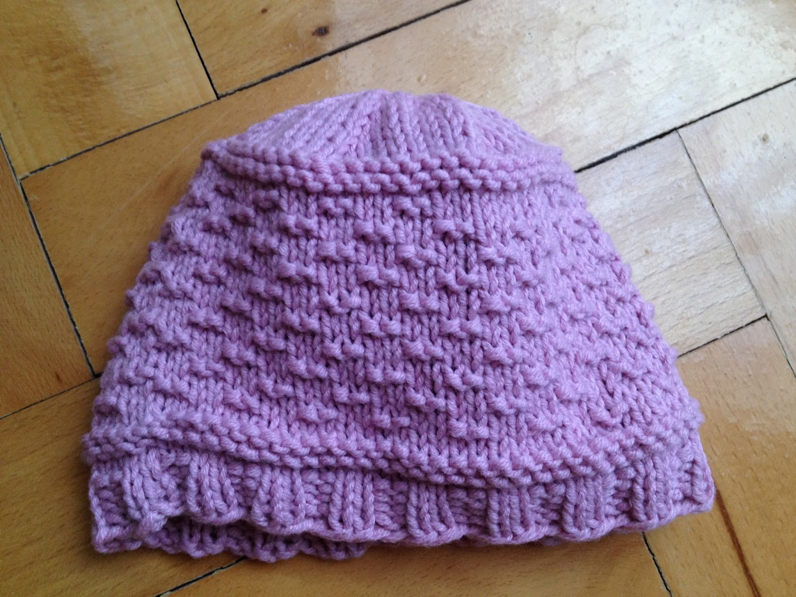 Chazot\'s Easy Guernsey Hat for Preemies | A Time to Knit