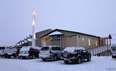 صور أول مسجد في القطب الشمالي  14650795
