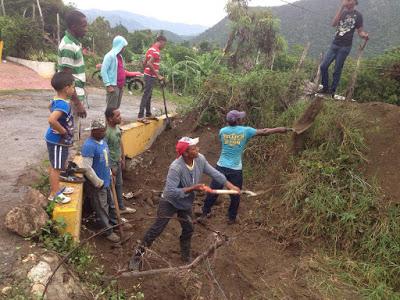 Alcaldía Bohechío: Interviene desborde Cañada sector La Cotorra