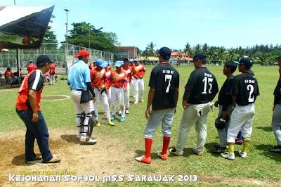 sofbol sarawak