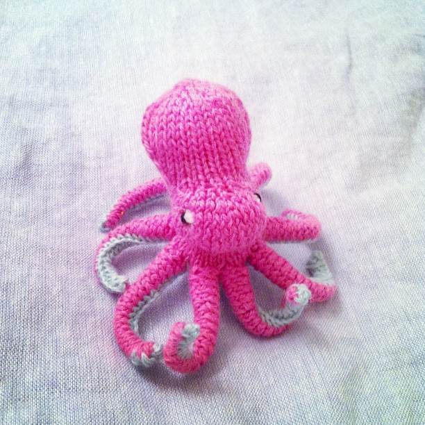 Amigurumi Yarn Ply : anna knits, etc.: anna knits - amigurumi octopus