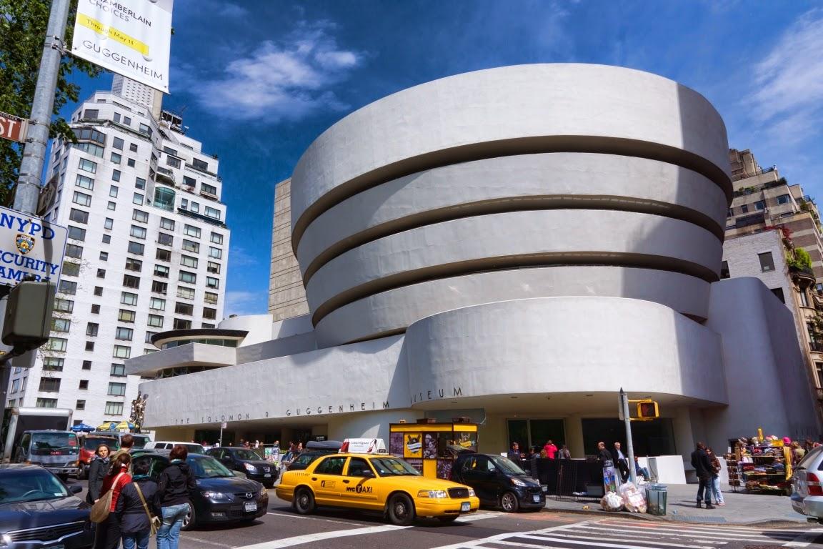 Guggenheim Museum và Disney Concert Hall phản chiếu tài năng của Frank Gehry