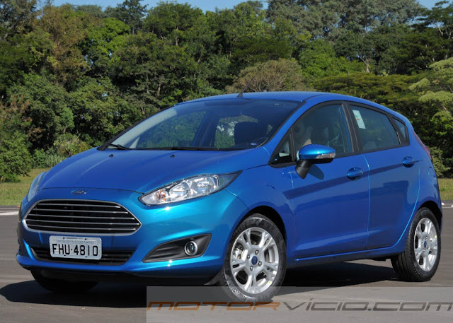 carro New Fiesta Hatch 2014 SE Azul