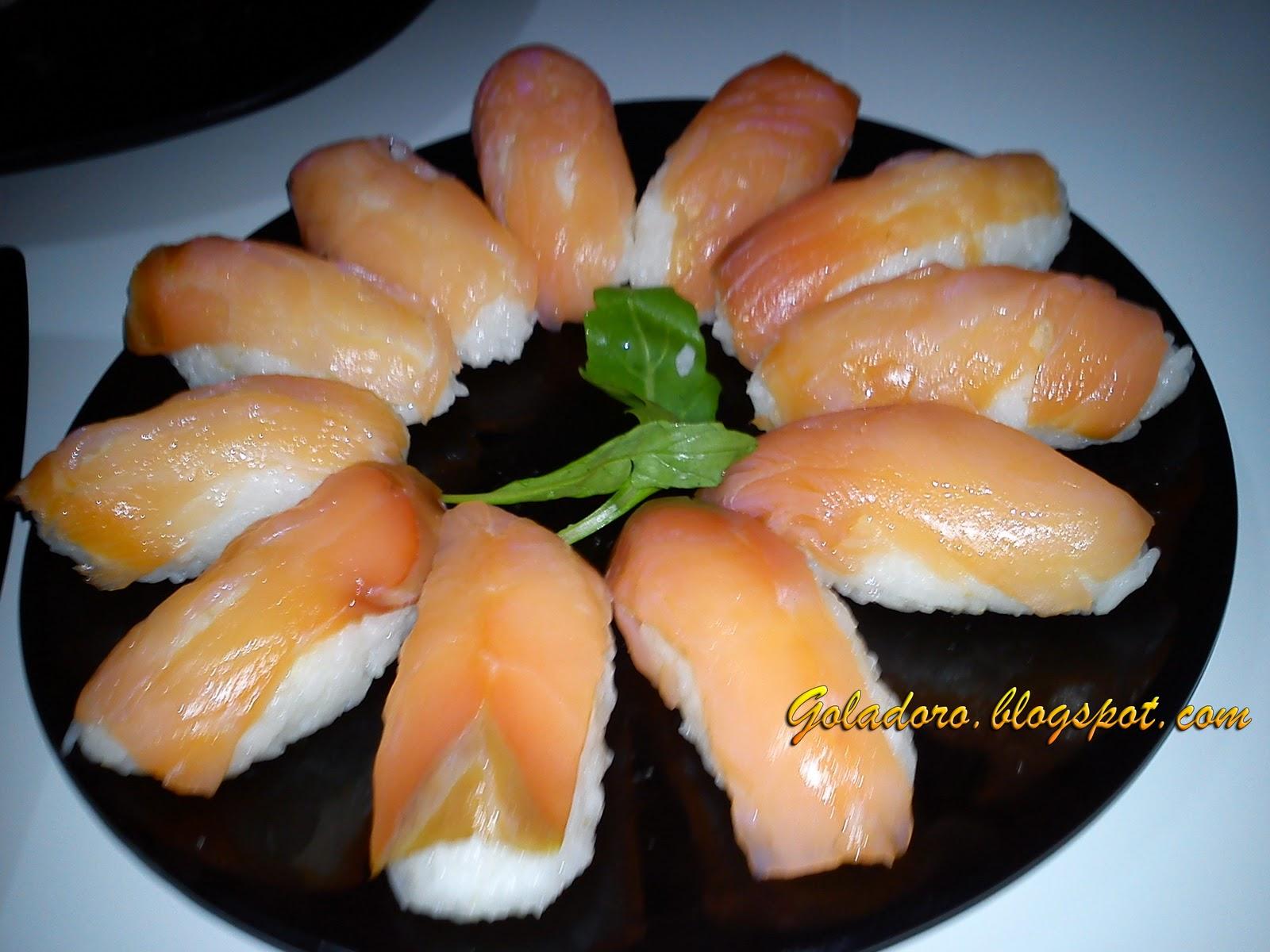 Aceto di riso o di mele, 3 cucchiai. Wasabi (opzionale) Salsa di soia (del  tipo salato).