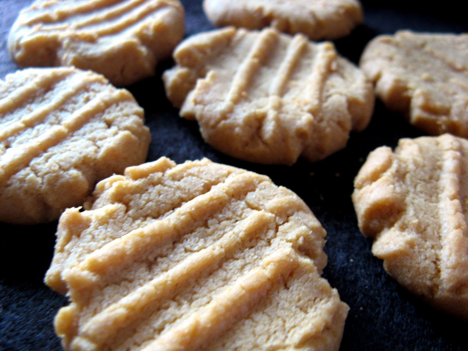 Flourless Peanut Butter Cookies - Crunchy Creamy Sweet