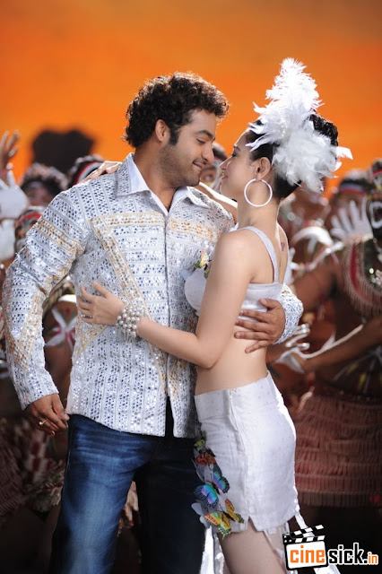Tamanna Hot Stills Wallpapers Oosaravelli