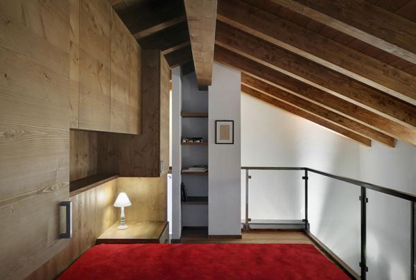 dormitorio rustico moderno en la buhardilla