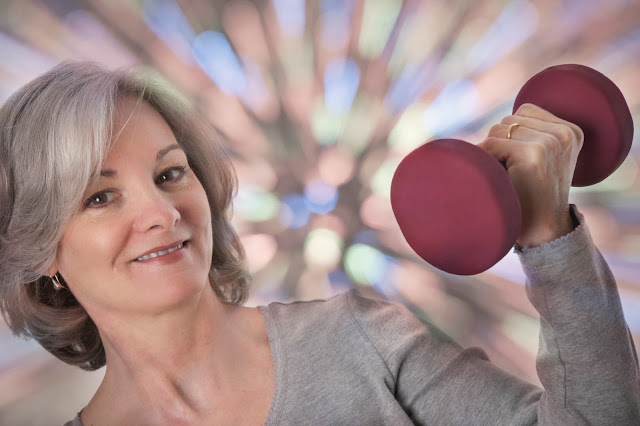 7 Cara Mencegah Osteoporosis pada Wanita. penyakit osteoporosis. pengobatan osteoporosis. pencegahan osteoporosis.