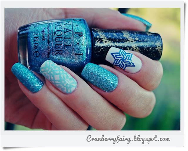 niebieskie paznokcie OPI