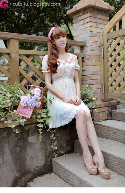 5 Fence-Very cute asian girl - girlcute4u.blogspot.com