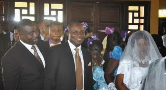 Photo: Benue State Governor serves as cook's best man