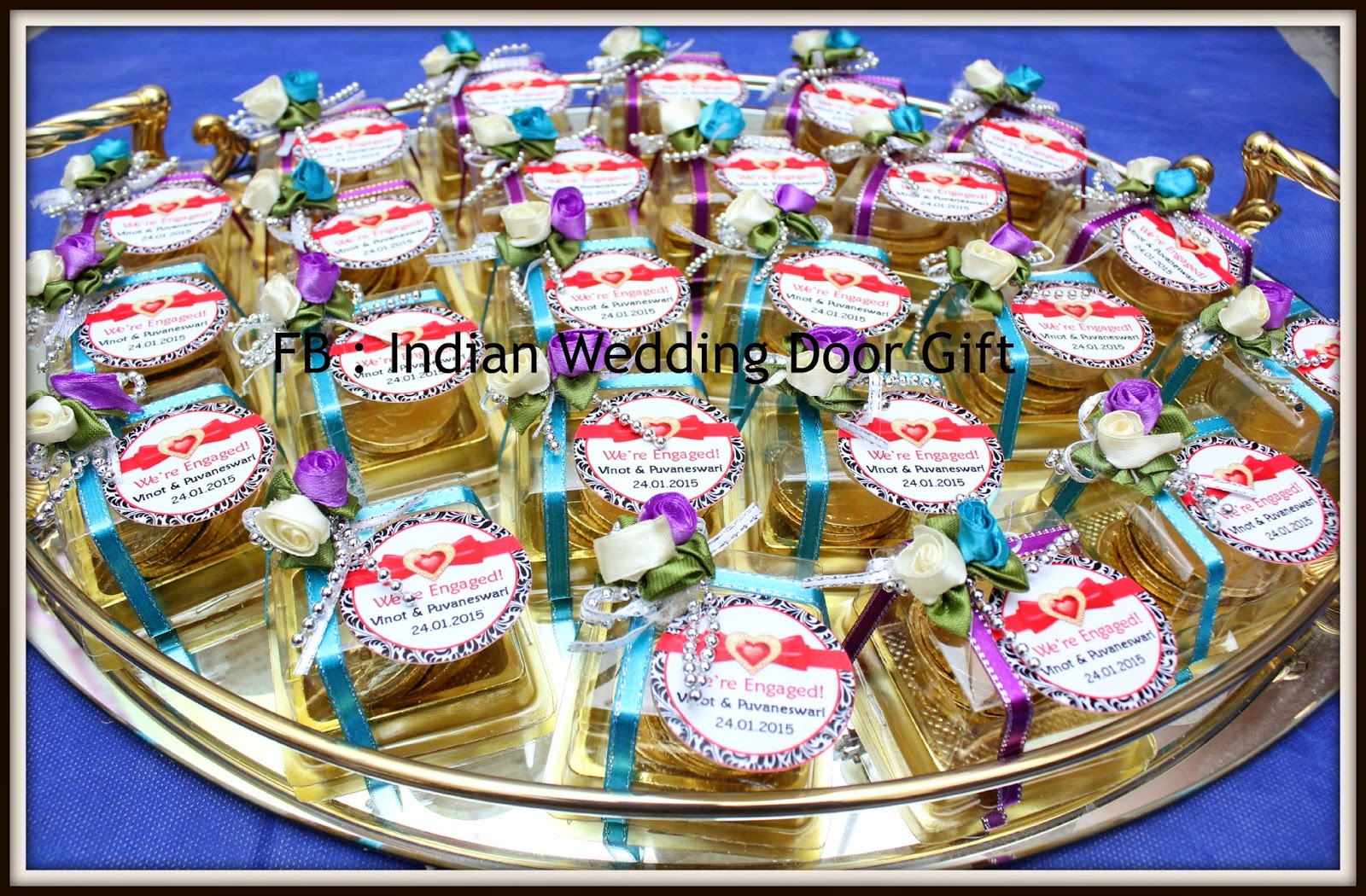 Indian wedding door gift may 2015 for Idea for door gift
