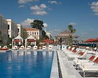 4-season-hotel-boğaz-kenarı-havuzlu-otel