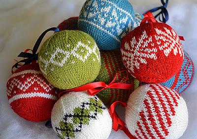 ozdoby choinkowe, Boże Narodzenie, DIY, jak ubrać choinkę, z wełny, filcu, papieru, orzeszków ziemnych, święta, wigilia, jak udekorować dom na święta, z masy solnej, guzików, zrób to sam,