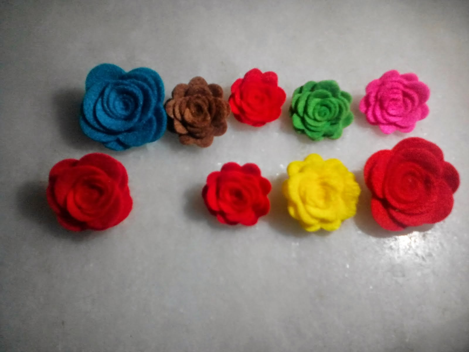 roses brooch and magnets