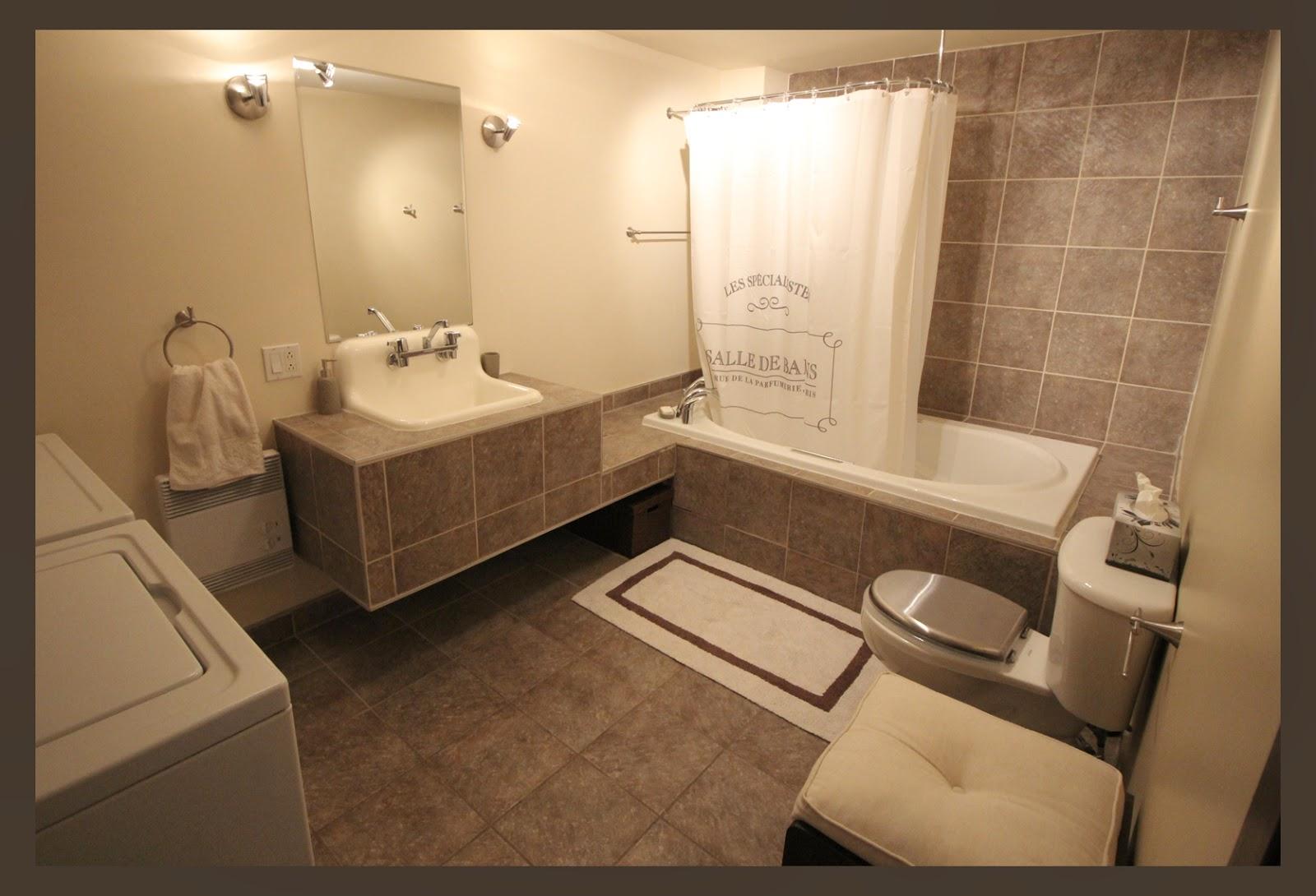 salle de bain spacieuse le shady loft. Black Bedroom Furniture Sets. Home Design Ideas