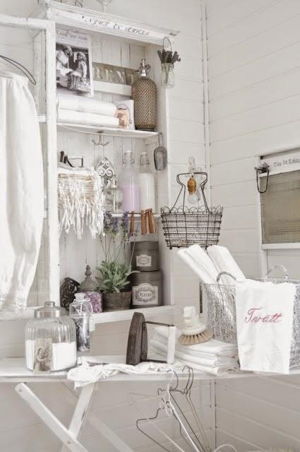 In mansarda da noi: Bagno o lavanderia un pò shabby un pò country?