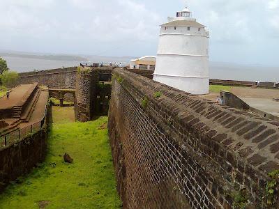 Dil chahta hai Goa fort, Goa pictures, Goa Chapora, Goa forts, Chapora fort