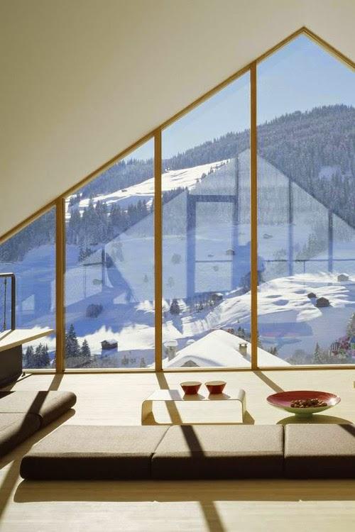 Świat przez duże okna, duże okno, big windows, Loft, design, amazing view, z widokiem, góry, dom, w górach, alpy,