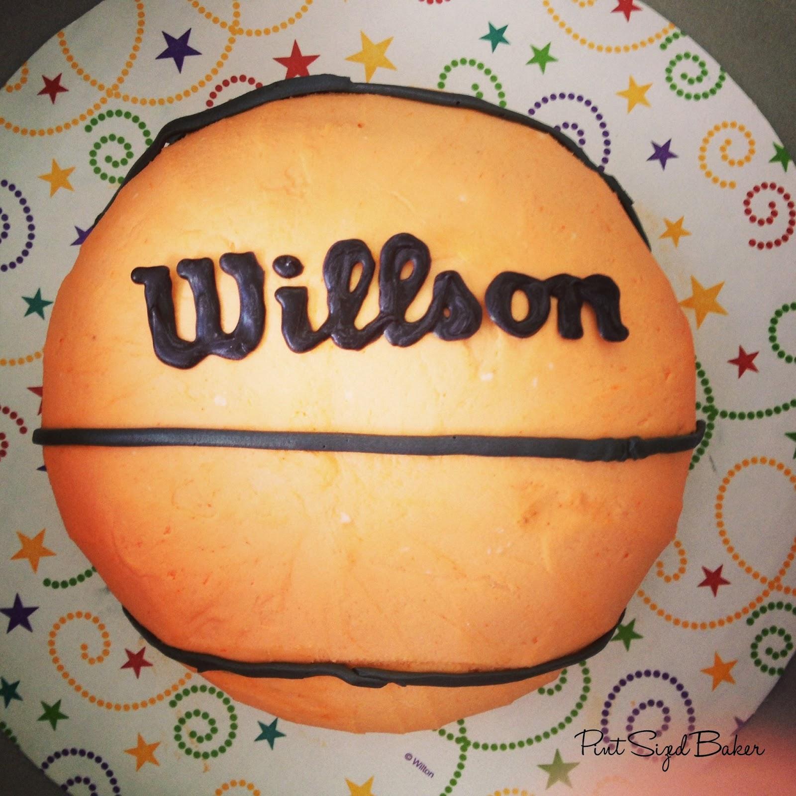 Laker S Jersey And Basketball Cake Pint Sized Baker