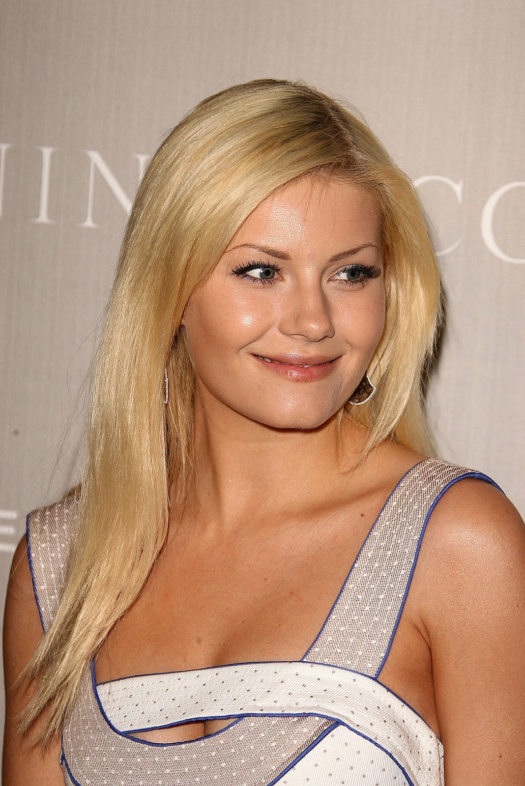 http://3.bp.blogspot.com/-tGCwwG8TgMs/Tn6P924NVII/AAAAAAAAAkg/_vZpzqH8nb4/s1600/Elisha-Cuthbert-pics-images-photos-movies-actress-flims+4.jpg