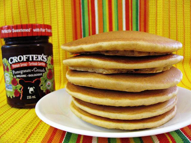 pancakes sans gluten au levain et aux graines de chia/gluten free sourdough and chia seed pancakes