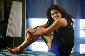 Love You Bangaram Heroine Sravya Photos-thumbnail-11
