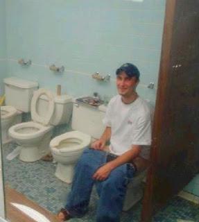 Danny boy on the toilet - YouTube