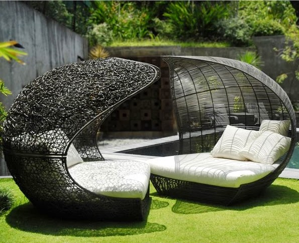 the art of garden furniture the garden of eaden. Black Bedroom Furniture Sets. Home Design Ideas