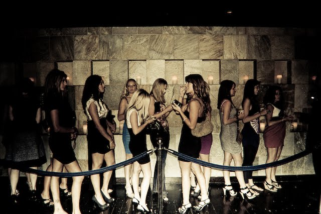 Bathroom Queue the blow off: meeting guys in bars: dos and don'ts