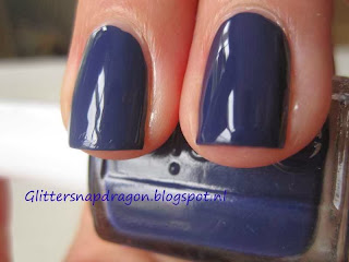 China Glaze Queen B Essie No More Film