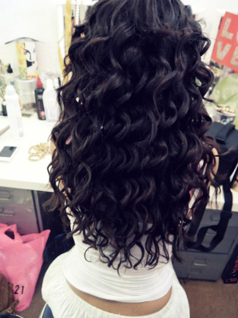 Black wavy hair style for women