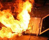 Komputer dan Modem Meledak