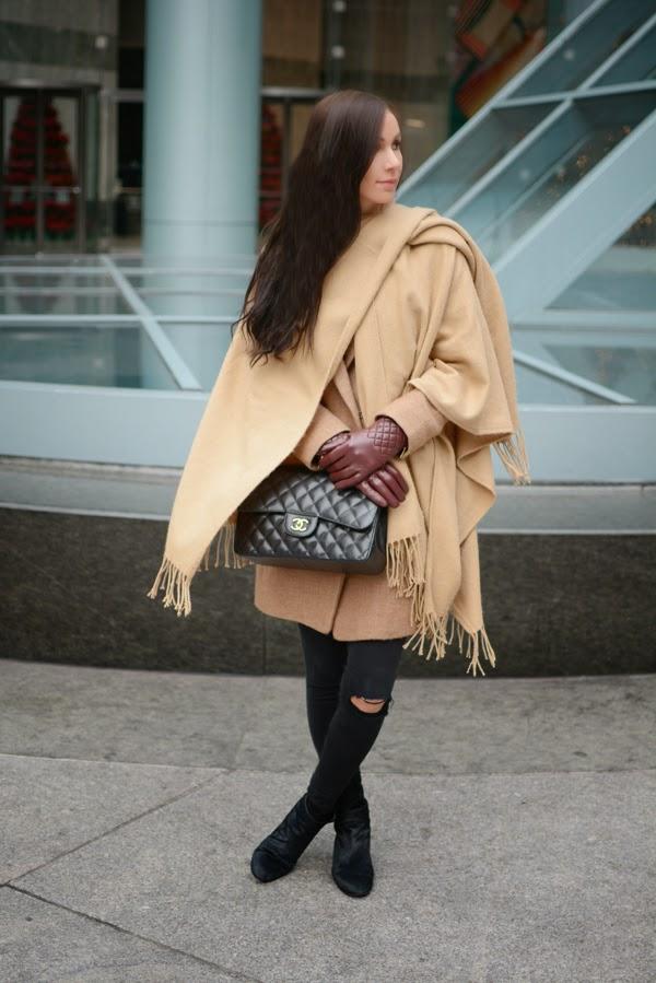 LamourDeJuliette_Cape_Over_Coat_Jacket_Outfit_FashionBlog_002