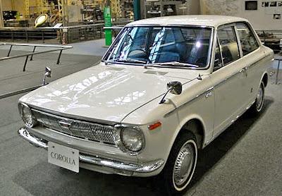 Mobil Sedan Corolla Generasi Pertama