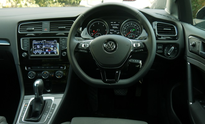 VW Golf 7 GT cockpit
