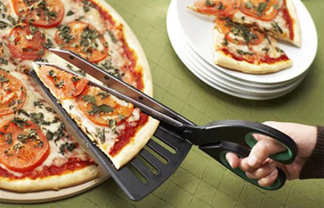 10 ideias criativas e úteis para móveis e objetos: Tesoura para pizzas.