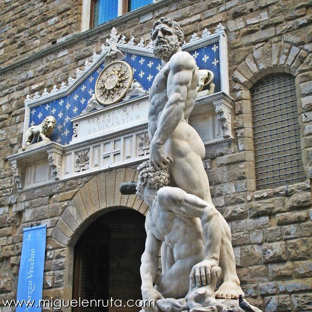 Piazza-della-Signoria-Hércules-Caco