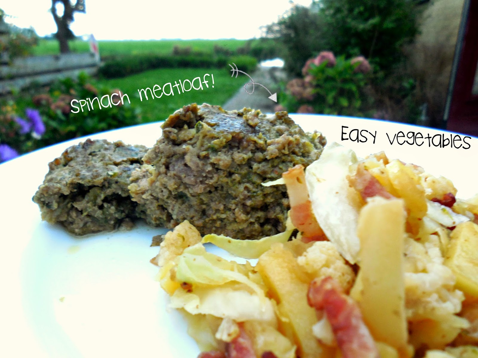 Healthy recipes: spinach meatloaf by Welcome to Mommyhood #paleo, #healthyrecipes