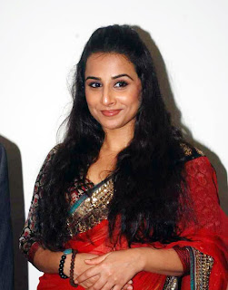 vidya balan in red saree so cool