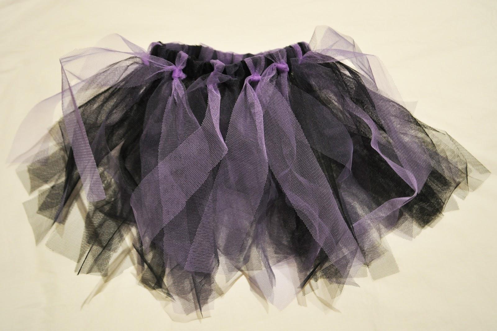 Esta falda de tul sin necesidad de coser la encontrareis en el blog de