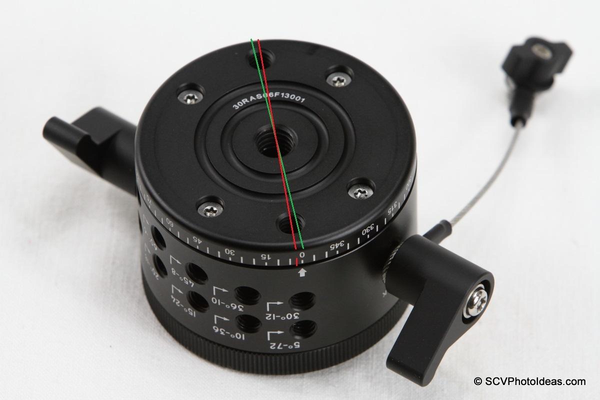 Sunwayfoto DDP-64M PIR bottom mounting holes view
