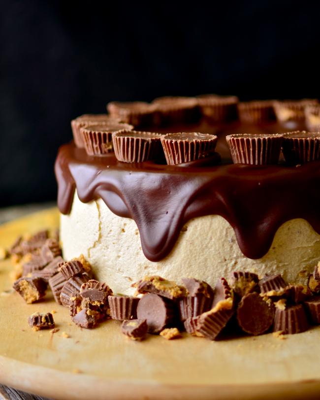 http://www.yammiesnoshery.com/2014/08/flourless-chocolate-peanut-butter-cake.html