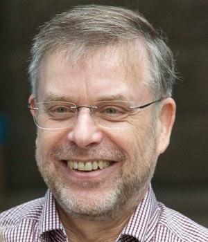"""Helga König im Gespräch mit Prof Dr. Gunter Dueck über sein Buch """"schwarmdumm"""""""