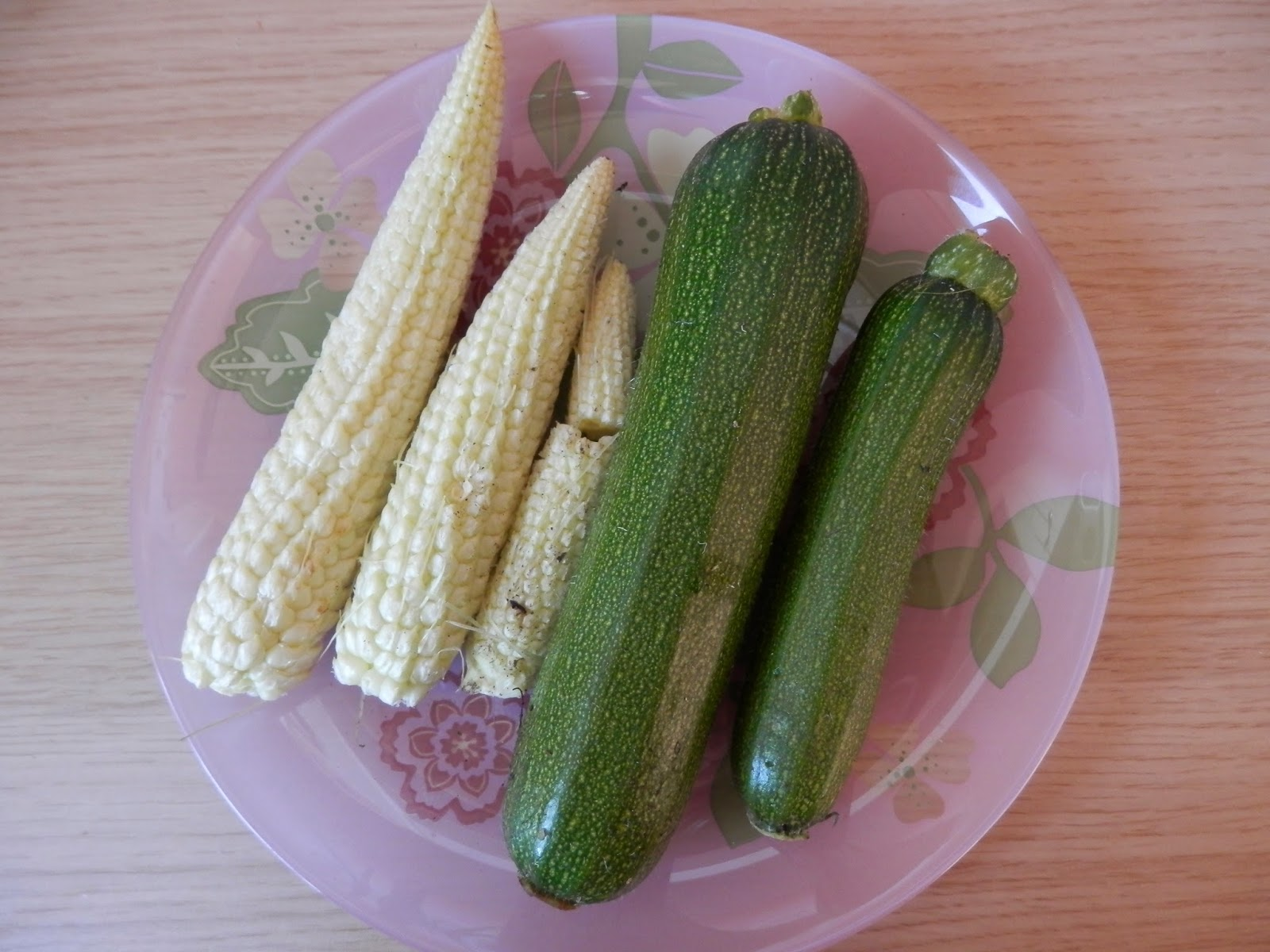 My home grown harvest this month, lots of courgettes, sweetcorn, broad beans and rainbow chard. secondhandsusie.blogspot.com
