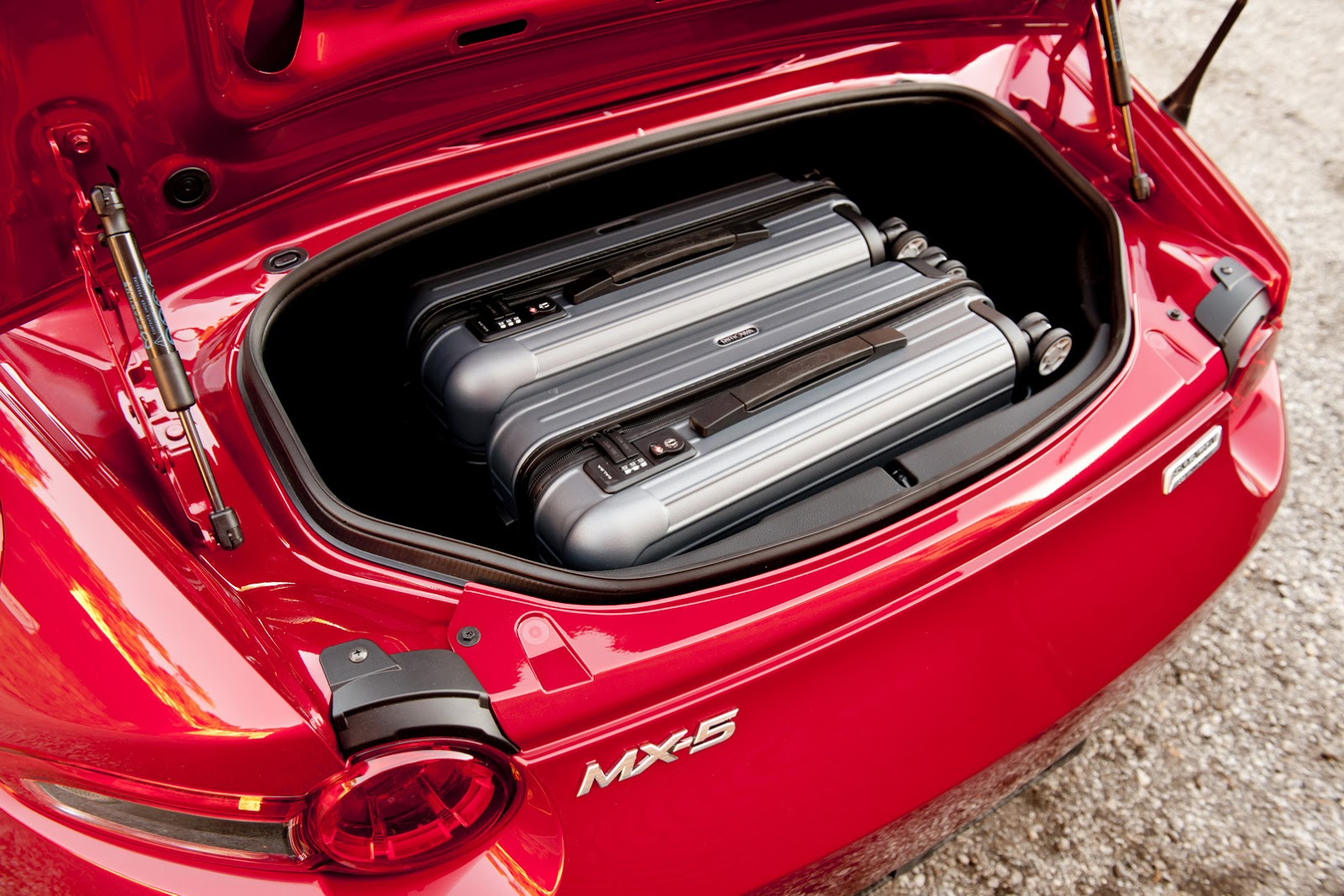 2016-Mazda-MX-5-84.jpg