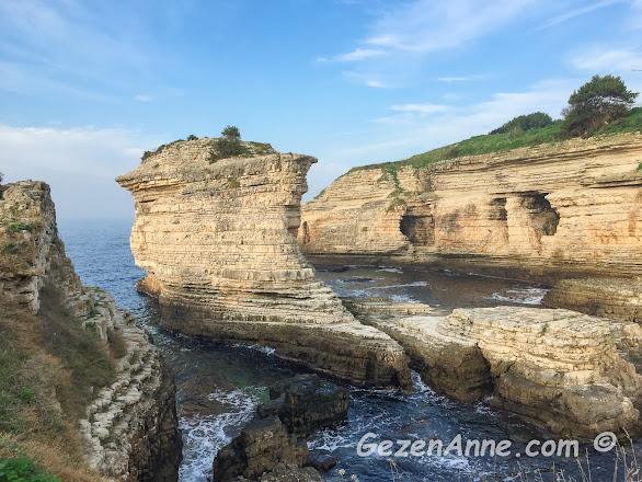 doğanın müthiş heykeltraşlığı ile şekillenmiş Kerpe Kayalıkları, Kandıra Kocaeli
