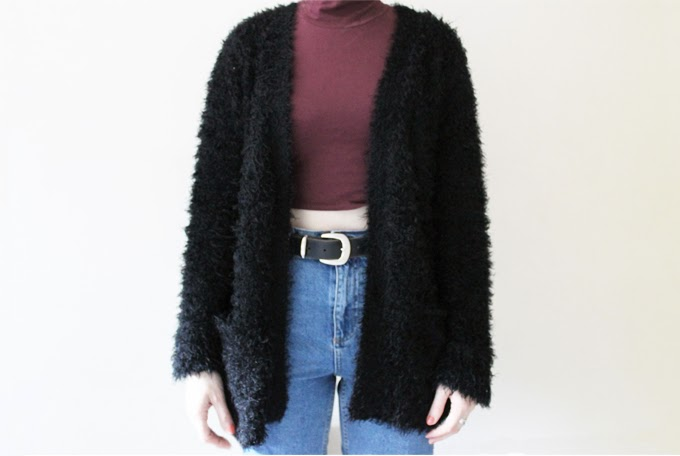 how to wear crop top fluffy cardigan topshop mom jeans