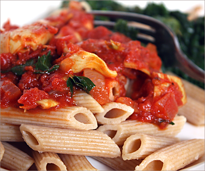 Andrea's Easy Vegan Cooking: Pasta with tomatoes and artichoke hearts