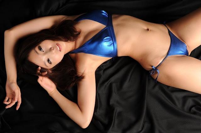 Risa Yoshiki – Hot Bikini & Lingerie Photoshoot